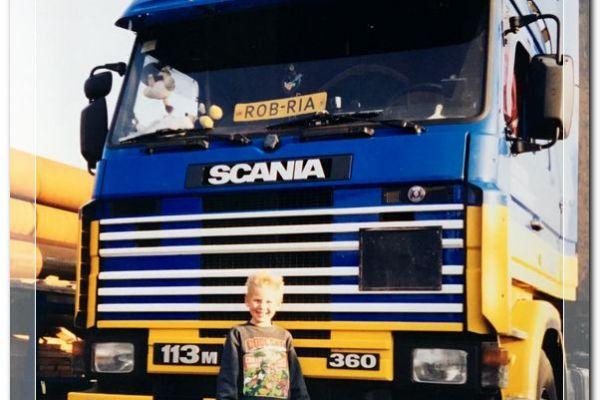 1998-robski-scanias-01808eb8303-4219-5fd8-a829-291eda52b98a07B659C6-E231-7A63-4D19-00C8A25D7735.jpg