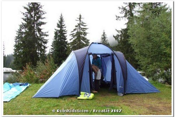 05-tentje-camping-dolomietenB1BB2232-181E-214E-551E-3AEAD7E7262B.jpg
