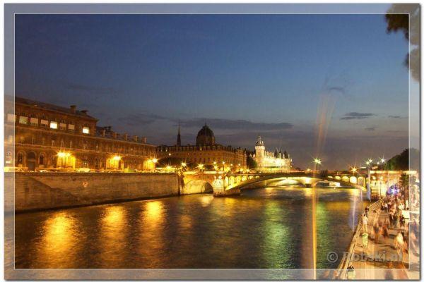 parijs-2009-05864BCB0D3-C1DF-74F1-CE24-92416BCCCC71.jpg